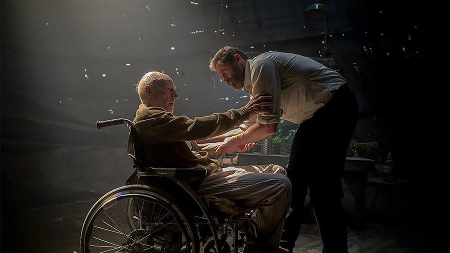 Logan et Charles Xavier
